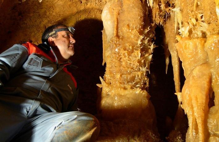 Le Buisson de Cadouin: Grottes de Maxange