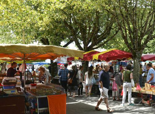 Dordogne Perigord: vrijdagmarkt in Ribérac.
