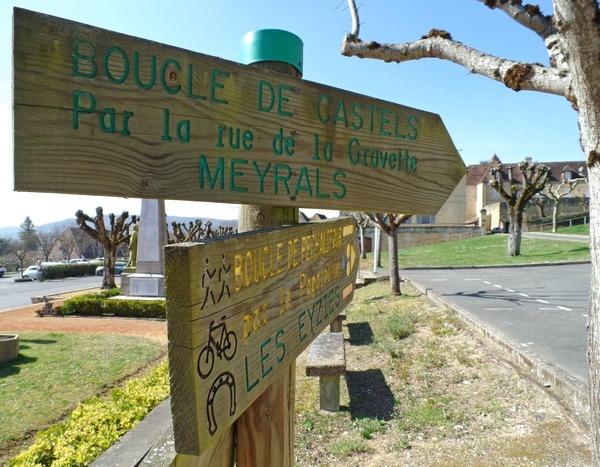 Dordogne Périgord: wandelen en wandelroutes - Boucle de Castels bij Saint Cyprien