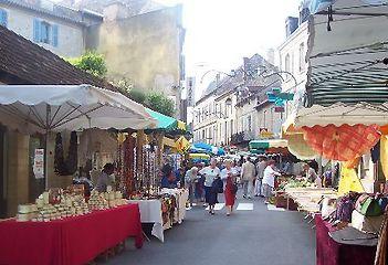 Dordogne Périgord: markt in Le Bugue.