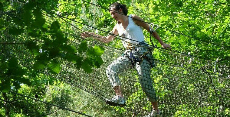 Adrenalinekick in klimpark L'Appel de la Forêt