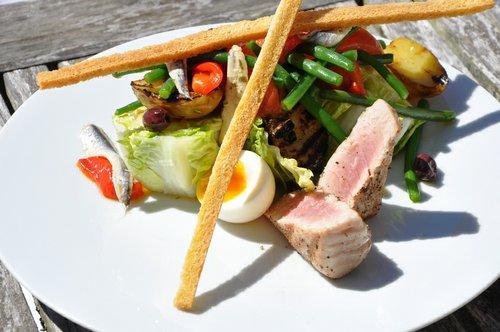 Château les Merles golf hotel restaurant: bij de beste restaurants volgens GaultMillau.