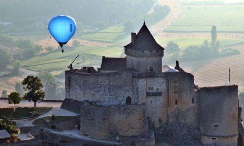 Ballonvaart met Périgord Dordogne Montgolfières: Château de Castelnaud.