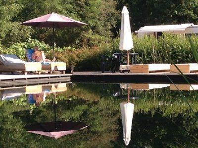 Dordogne-Périgord: naturistencampings, naturisme, naaktrecreatie-campings: Domaine Naturiste Petits-fours.