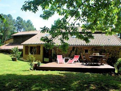 Dordogne-Périgord: naturistencampings, naturisme, naaktrecreatie-campings: La Foret Villefranche.
