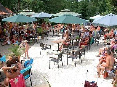 Dordogne-Périgord: naturistencampings, naturisme, naaktrecreatie: Terme d-Astor.