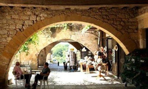 Het bastide-dorp Monpazier in Dordogne, nummer 11 in de top 20 van mooiste dorpen van Frankrijk volgens The Telegraph.