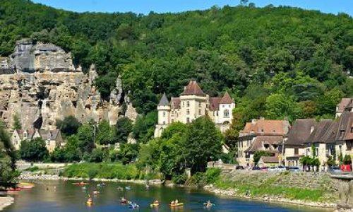La Roque Gageac aan de Dordogne, nummer 14 in de top 20 van mooiste dorpen van Frankrijk volgens The Telegraph.