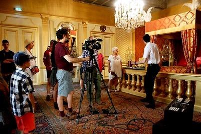 Dordogne Périgord: diverse ruimtes in Château de Hautefort zijn ingericht als filmset.