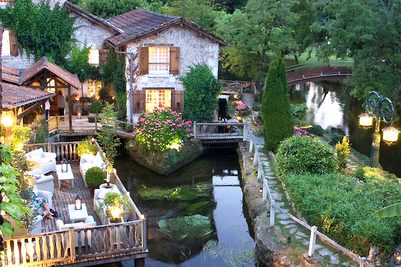 Dordogne Perigord: Michelin-restaurants - Le Moulin du Roc in Champagnac-de-Belair. Chef: Alain Gardillou.