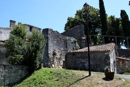Dordogne-Perigord: Puyguilhem in Thénac.